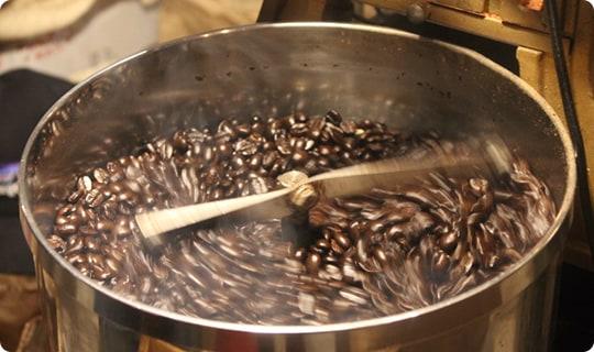 豆を冷ます